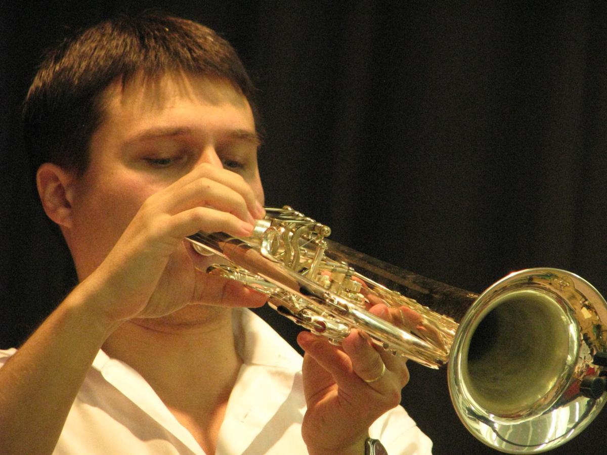 vinarsky-krojovany-ples-moutnice-2011-011.jpg