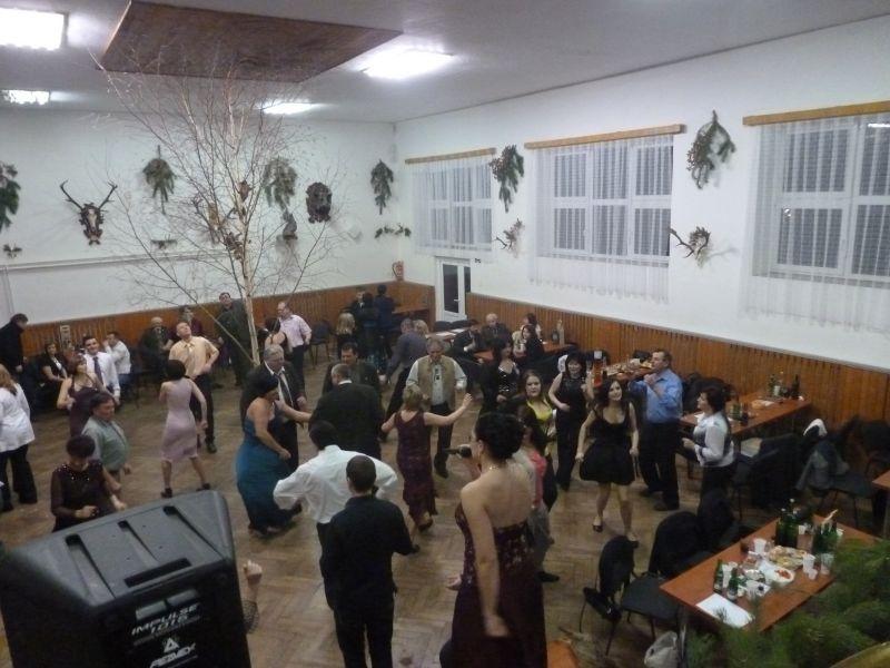 myslivecky-ples-velke-hosteradky-422012-007.jpg