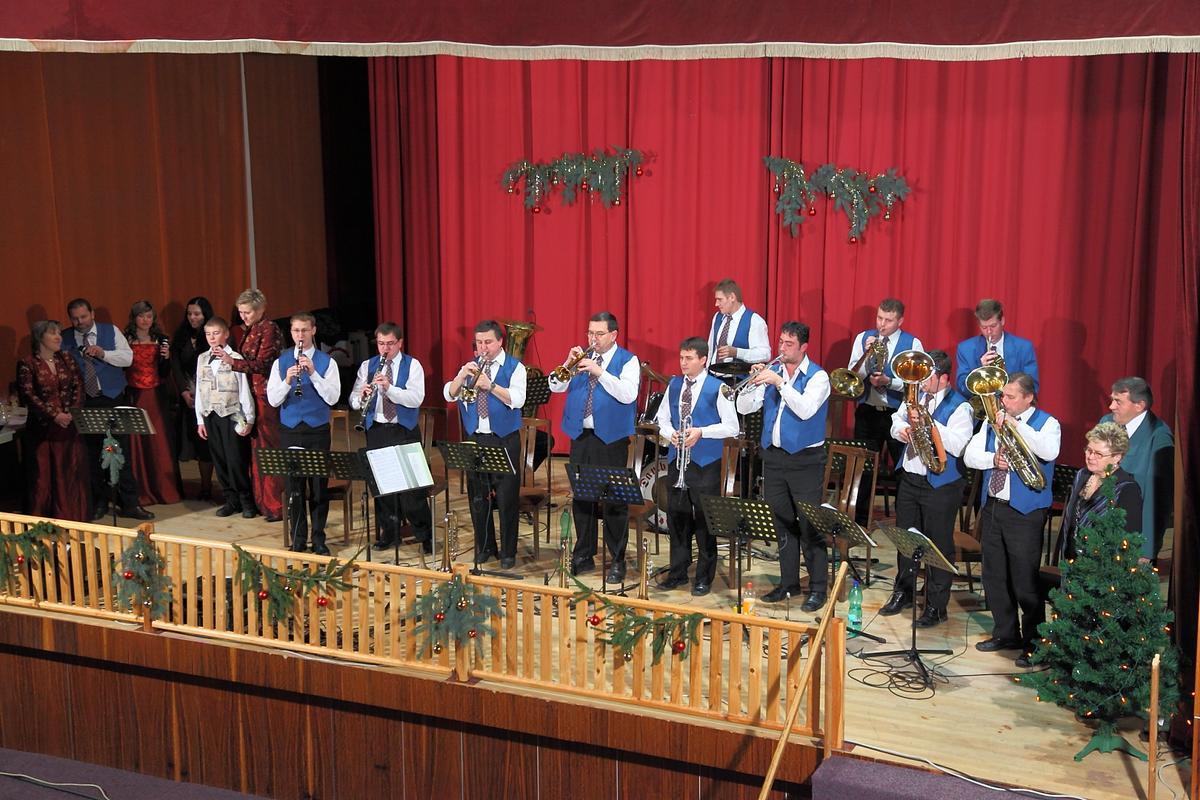 vanocni-koncert-damborice-2009-0007.jpg