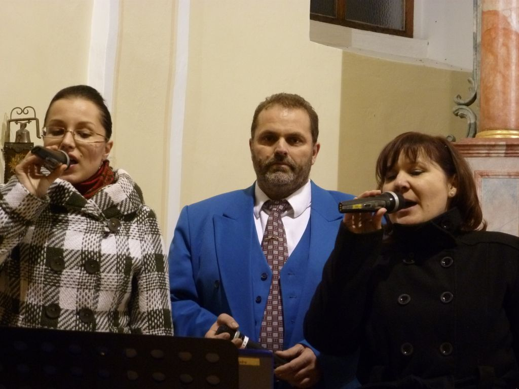 vanocni-koncert-vhosteradky-17122011-010.jpg
