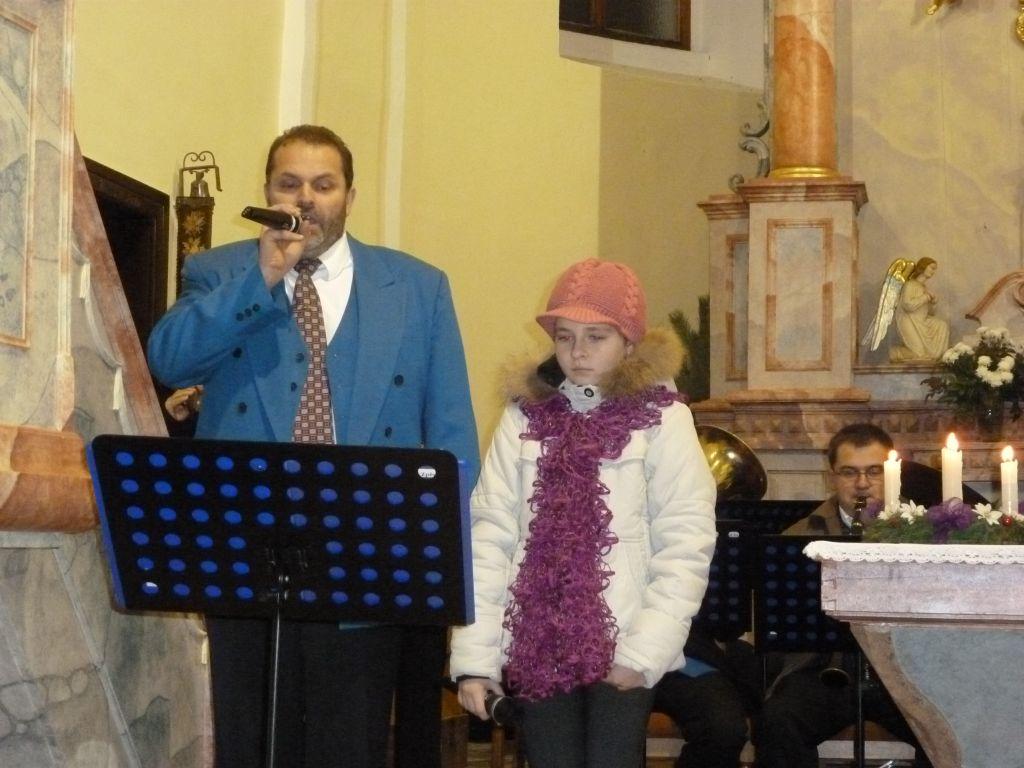 vanocni-koncert-vhosteradky-17122011-011.jpg